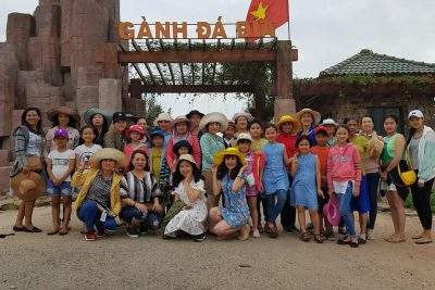 Công đoàn trường tiểu học Trưng Vương tổ chức cho CĐV đi thăm quan Phú Yên.