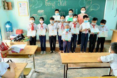 Ngày 28/5/2021 Lễ Tổng kết năm học 2020 – 2021 của Trường TH Trưng Vương được tổ chức dưới hình thức theo lớp- khối để dảm bảo phòng chống dịch bệnh an toàn.