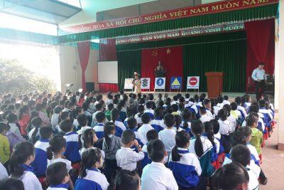 Liên Đội Trưng Vương tuyên truyền Luật Giao thông đường bộ cho 100% học sinh.